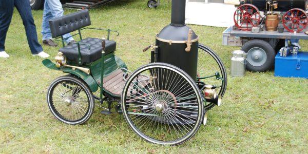 Zu 3. Bild 1 Nachbau Dampfwagen von De Dion & Bouton