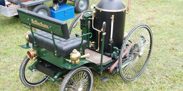 Zu 3. Bild 4 Nachbau des Dampfwagens von De Dion & Bouton